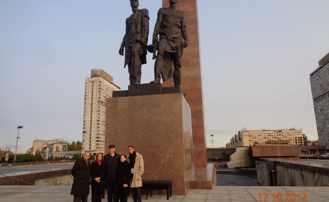 Подвиг ленинградцев, советских людей, вдохновляет кубинцев