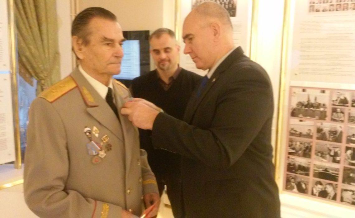 Геннадий Зюганов: Надо поддерживать и популяризировать передовые отделения КПРФ, во имя успеха всей партии