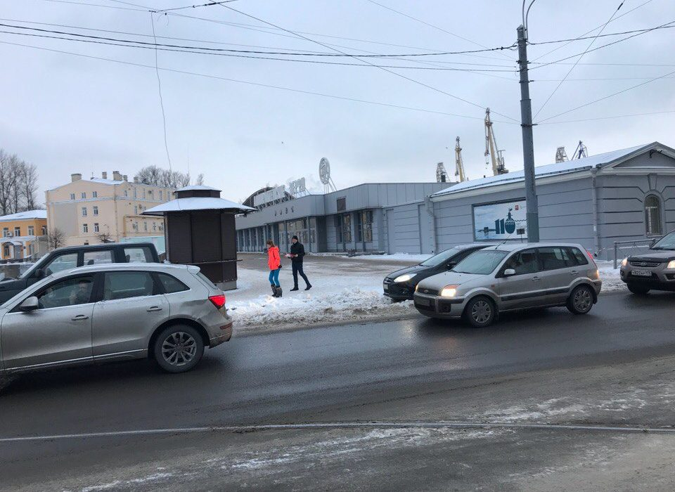 Коммунисты Адмиралтейского районного отделения КПРФ приняли участие во всероссийской акции «За социальную справедливость»